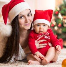 Kalėdinės dovanos mamai ir kūdikiui – šventinės rekomendacijos