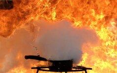 Vilnietės nelaimėlės istorijos: kur tik žengia – ten gaisrai ir vagystės