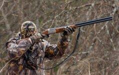 Nepasisekus medžioklei su varovais medžiotojai rado labai brangiai kainuosiančią išeitį