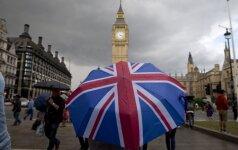 Trys iš keturių įmonių vadovų Jungtinėje Karalystėje svarsto įmonės perkėlimą