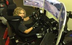 Dominykas Butvilas treniruojasi simuliatoriumi