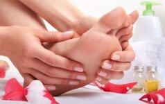 5 paprasti pratimai, kurie padės atsikratyti pėdų skausmo