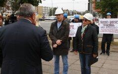 Statybininkai išėjo piketuoti: Kauno r. savivaldybė mus žlugdo