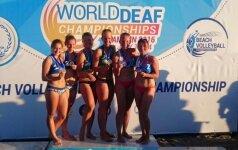 Lietuvės – pasaulio kurčiųjų paplūdimio tinklinio čempionės