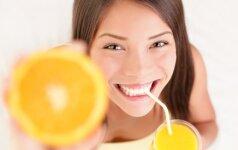 STIPRINAME IMUNITETĄ: kas geriau – sultys ar vitaminai?