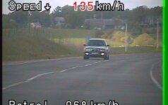 Reidas Telšių rajone: greičio mėgėjų gretose net trys vos pažymėjimus gavę vairuotojai