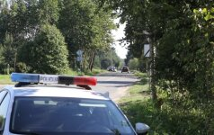 Skaudus eismo įvykis Molėtų r. – žuvo mama, mažametę dukrą išgelbėjo saugos kėdutė