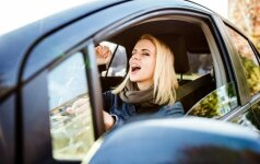 Šių dainų automobilyje geriau neklausyti – dėl netinkamos muzikos gali kilti avarija