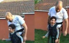 Tėtis su sūnumi