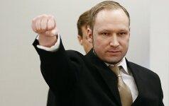 A. Breivikas dėl savo įkalinimo sąlygų bando šokdinti Norvegiją