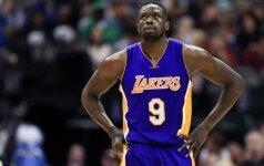 """""""Lakers"""" – skaudžiausias pralaimėjimas klubo istorijoje, supertalentų dvikovoje triumfavo K. Townsas"""