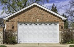 Koks garažo vartų tipas jums tinkamiausias?