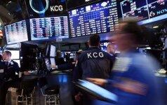 Savaitės pabaigoje investuotojai graibstė Europos bankų akcijas