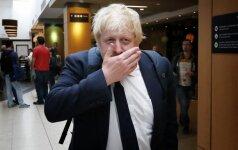 """Antausis britams: """"Brexit"""" kampanijos vėliavnešys B. Johnsonas nesieks D. Camerono posto"""