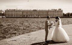 Griūk iš juoko: tradicinių rusiškų vestuvių nuotraukos