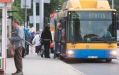 """Vilniaus opozicija piktinasi """"už akių"""" planuojamu milijoniniu autobusų nuomos konkursu"""