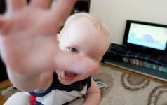 """Šokiruota mama: vaikams rodo filmukus apie """"didingą šalį CCCP"""""""