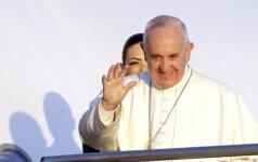 Popiežius Pranciškus: Romos katalikų bažnyčia turi prašyti homoseksualių žmonių atleidimo
