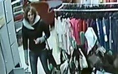Šiauliuose ieškoma moteris, kuriai parūpo svetima piniginė