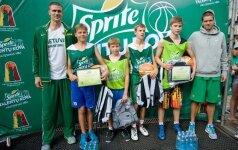 """""""Sprite talentų kovos"""" turnyre Palangoje apsilankė krepšinio rinktinės vyrai"""
