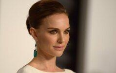 """""""Oskarui"""" nominuota N. Portman apdovanojimų ceremonijoje nepasirodys"""