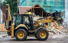 Kauno senamiestyje griaunami nelegalūs pastatai