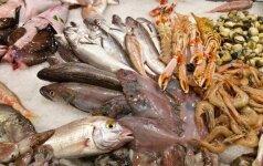 Keisčiausias žvejybos būdas: tam, kad sugautų žuvį, užnuodija vandenį