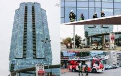 """Tragedija Vilniuje: nuo pastato """"Helios City"""" nukrito žmogus"""