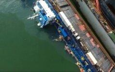 Gdynėje apvirto ir dalinai po vandeniu atsidūrė norvegų tanklaivis