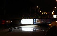 Naktį Vilniuje automobilis partrenkė du žmones