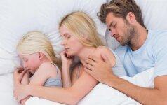 Mamos dilema: su kuo miegoti naktį – vaiku ar vyru?