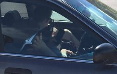 Prie Vingio parko automobiliu partrenkti du vyrai