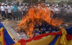Mianmaras ir Tailandas degina konfiskuotus 1 mlrd. dolerių vertės narkotikus