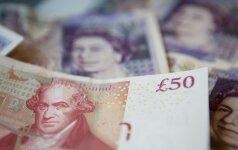 """""""Standard & Poor's: """"Brexit"""" gali pakenkti svaro kaip rezervinės valiutos statusui"""