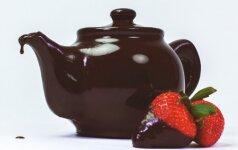 Įdomu: arbatinukas iš šokolado, kurio neįmanoma sudaužyti