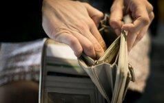 Sukčiai išviliojo pinigus iš senučių