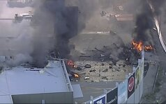 Melburne sudužo lengvasis lėktuvas