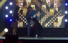 Netikėtai parkritusiam FIBA prezidentui pagalbos ranką ištiesė M. Mikutavičius