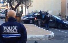 Prancūzijoje sulaikyti trys teroristinės atakos planavimu įtariami asmenys