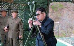 Įtampa auga: Pietų Korėja apšaudė iš Šiaurės Korėjos pasiųstą neatpažintą objektą