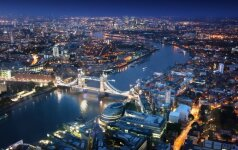 Singapūro bankas nebeišduoda paskolų būstams Londone