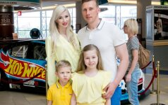 Ingos ir Aivaro Stumbrų vaikai išbandė naują pramogą