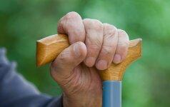Įtarta, kad prosenelė mušė mažamečius proanūkius, pradėtas ikiteisminis tyrimas