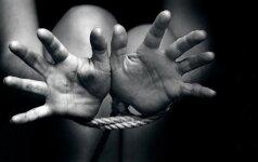 Tyrimas: pusė vyrų kaltina pačias moteris, jog jos patiria seksualinę prievartą