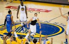 """Čempionai išgyveno: """"Warriors"""" su S. Curry – NBA superfinale"""