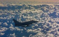 NATO naikintuvai praėjusią savaitę kartą lydėjo rusų orlaivius