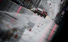 Kelininkai perspėja apie galimus slidžius kelių ruožus rytinėje ir šiaurinėje šalies dalyje
