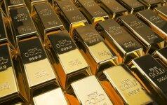 Auksas pinga po ryžtingų JAV centrinio banko pareigūnų komentarų