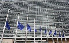 EK siūlo nebausti deficito kamuojamų Ispanijos ir Portugalijos