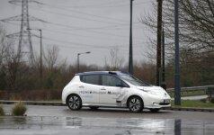 """Pirmą kartą į Europos gatves išvažiavo autonominis """"Nissan"""" automobilis"""